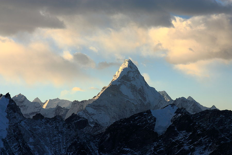 Ama_Dablam_from_Kala_Patthar